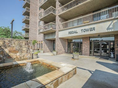 504 Regal Tower - Photo 34