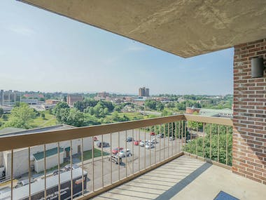 504 Regal Tower - Photo 19